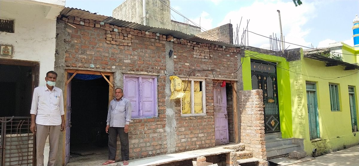 Ratlam: Beneficiaries frustrated as Alot municipality withholds second instalment of PM housing scheme