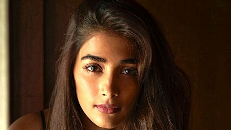 Pooja Hegde organises distribution of month's rations for a 100 families