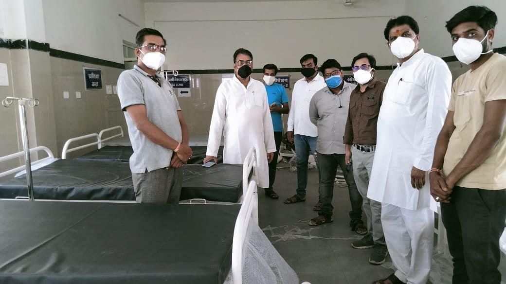 Madhya Pradesh: DCMC, politicians fiddle with unlock arrangements in Khachrod village of Ujjain district
