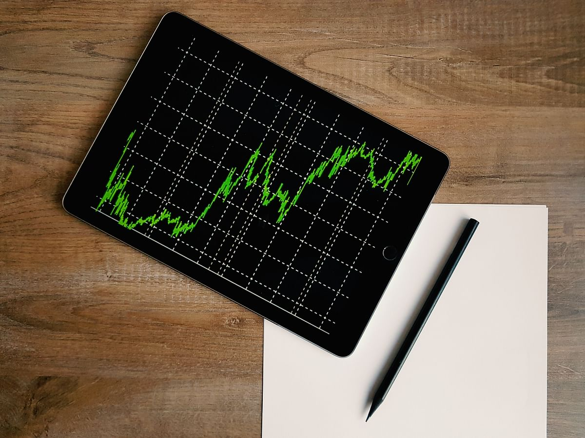 Trends on SGX Nifty indicates flat opening for indices
