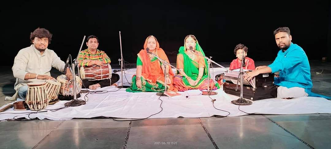 Folk singers performing in ongoing online series Ghamak on Sunday