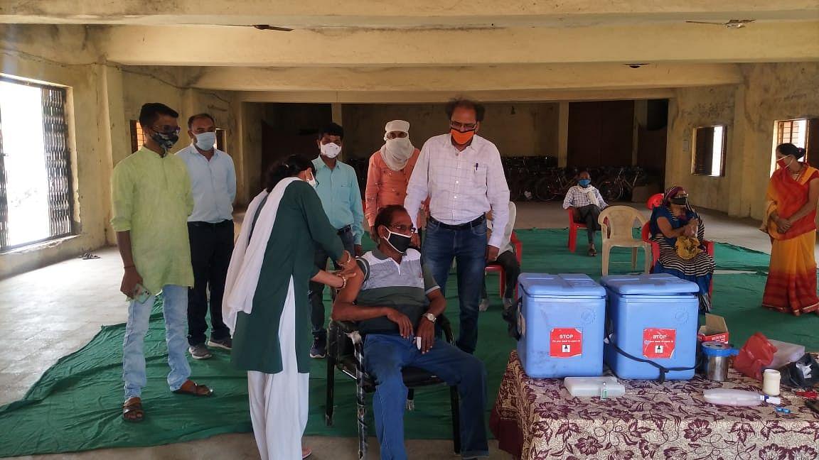 Kolkata fake vaccination camps: Police raids main accused Debanjan's residence
