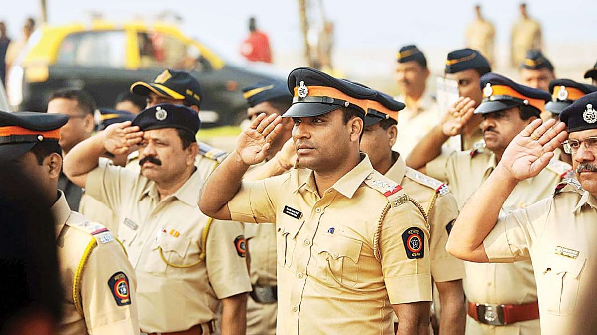 Mumbai police lists 727 cops who have served in Mumbai for 8 years