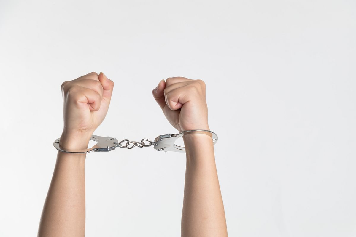 Mumbai: SoBo bizman arrested for sharing nude pictures of wife