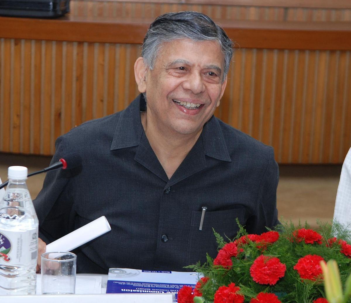 Have sunset clause for economic laws constraining growth: Vijay Kelkar