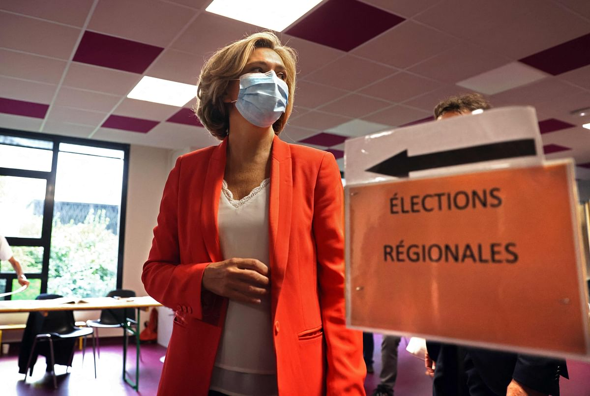 Valerie Pecresse of the  centre-right 'The Republicans' party wins from Ile-de-France region.