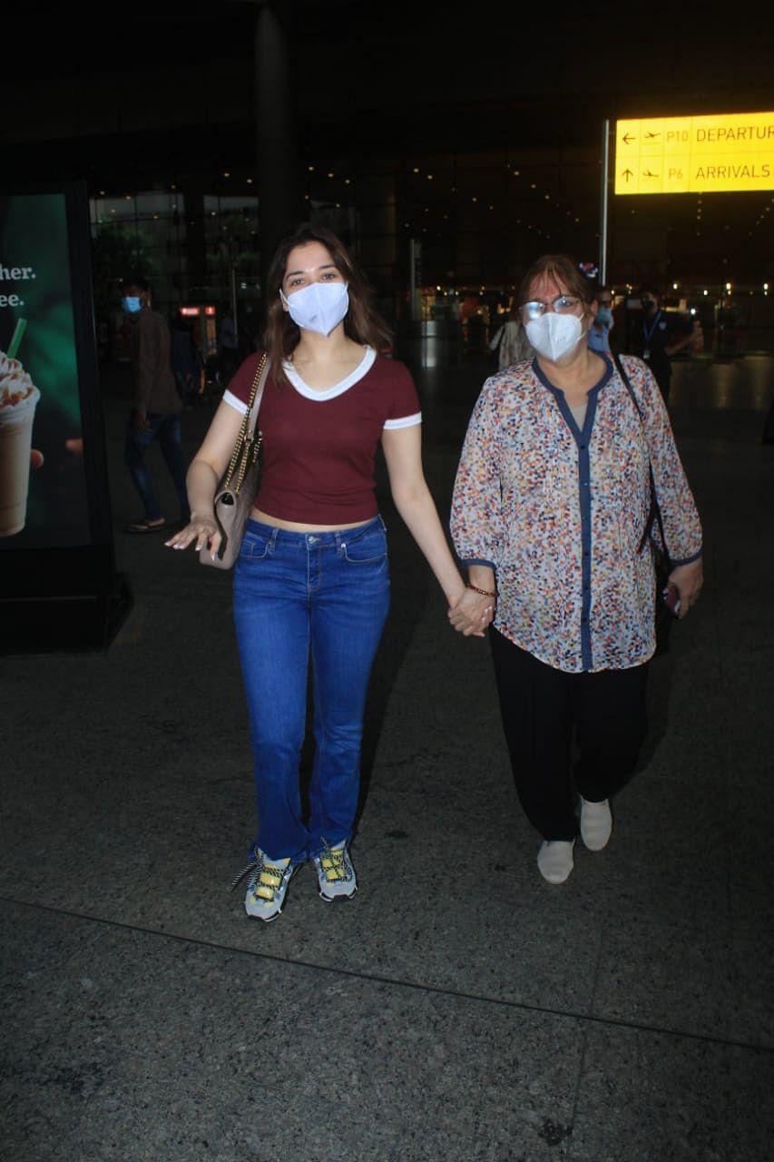 Tamannaah Bhatia with her mother at the Mumbai airport