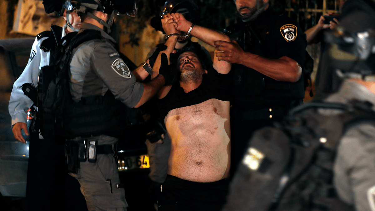 Jerusalem: Fresh violence erupts as Palestinians and Jews hurl stones, fireworks at each other; see pics