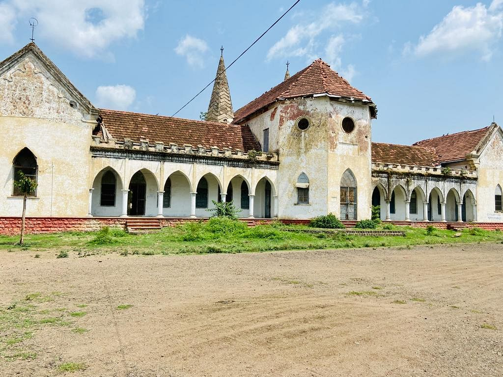 An old school to be renovated under Jaora assembly constituency