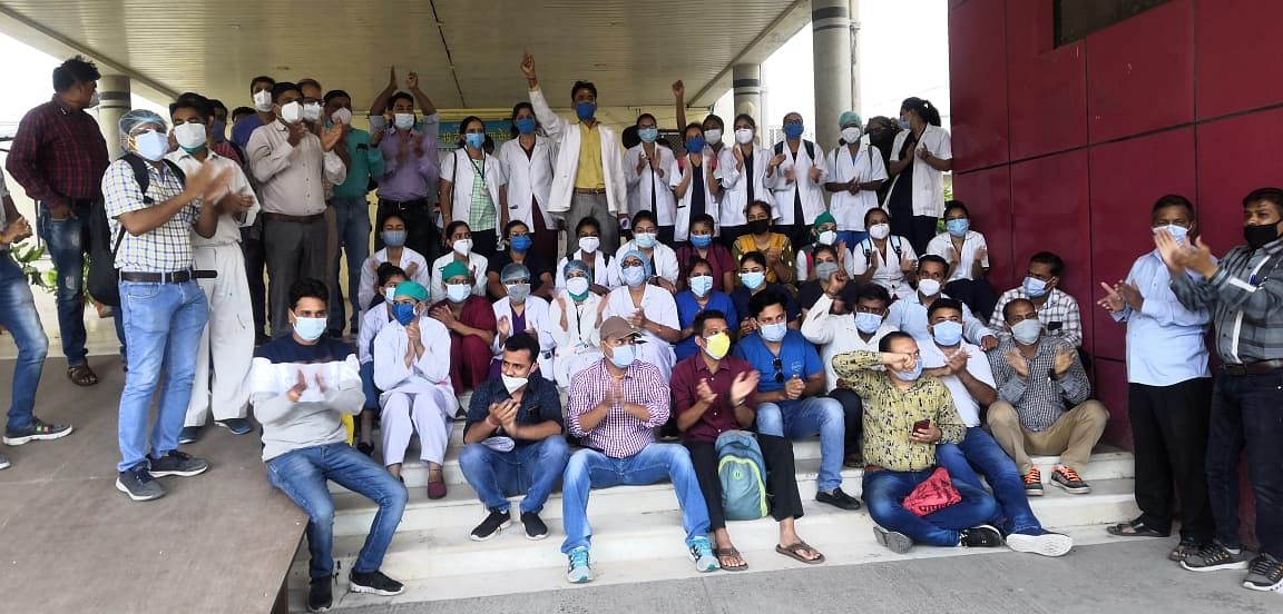 Indore: Over 300 nurses take mass casual leave, stage demonstration