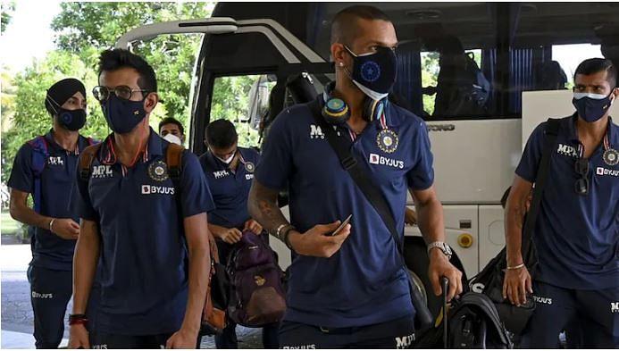 Dhawan and his boys arrive in Sri Lanka