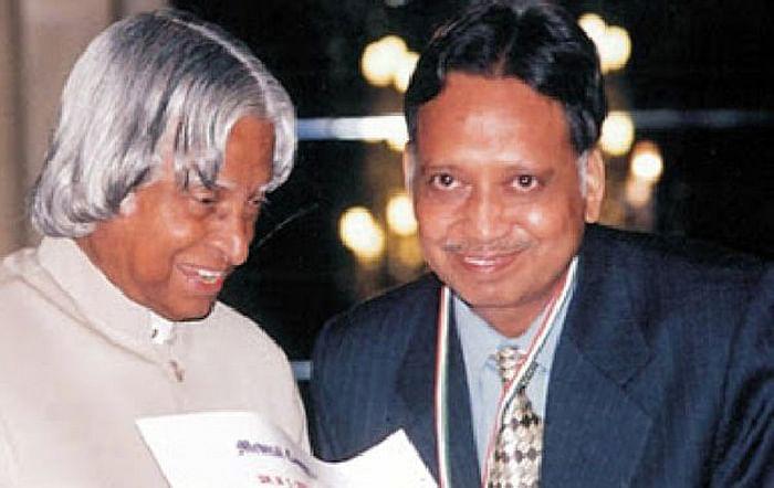 Ashok Panagariya receiving Padma Shri award from late President Dr Abdul Kalam