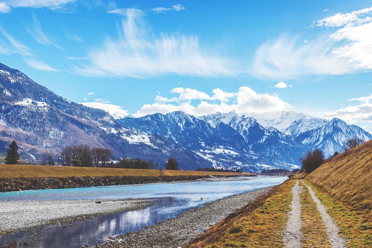 Good News for travellers: Switzerland eases restrictions for those fully vaccinated