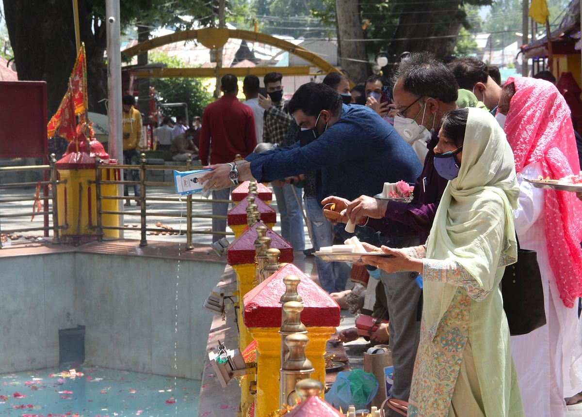 In Pics: Amid COVID-19 hundreds of devotees gather for annual Kheer Bhawani mela in Kashmir