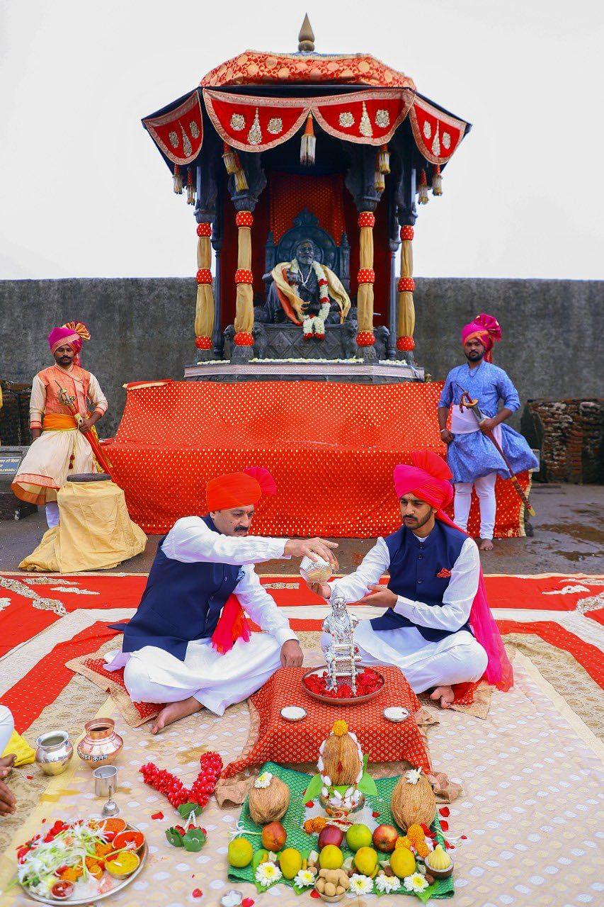 BJP MP Sambhaji Raje Chhatrapati, who belongs to the direct lineage of the great king, performed abhishek on Shivaji Maharaj's statue at Raigad Fort on 'Shiv Rajyabhishek Din' on June 6, 2021.