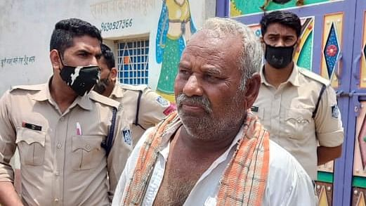 Neemuch: Police rescue Dayali's sarpanch from Bhadana