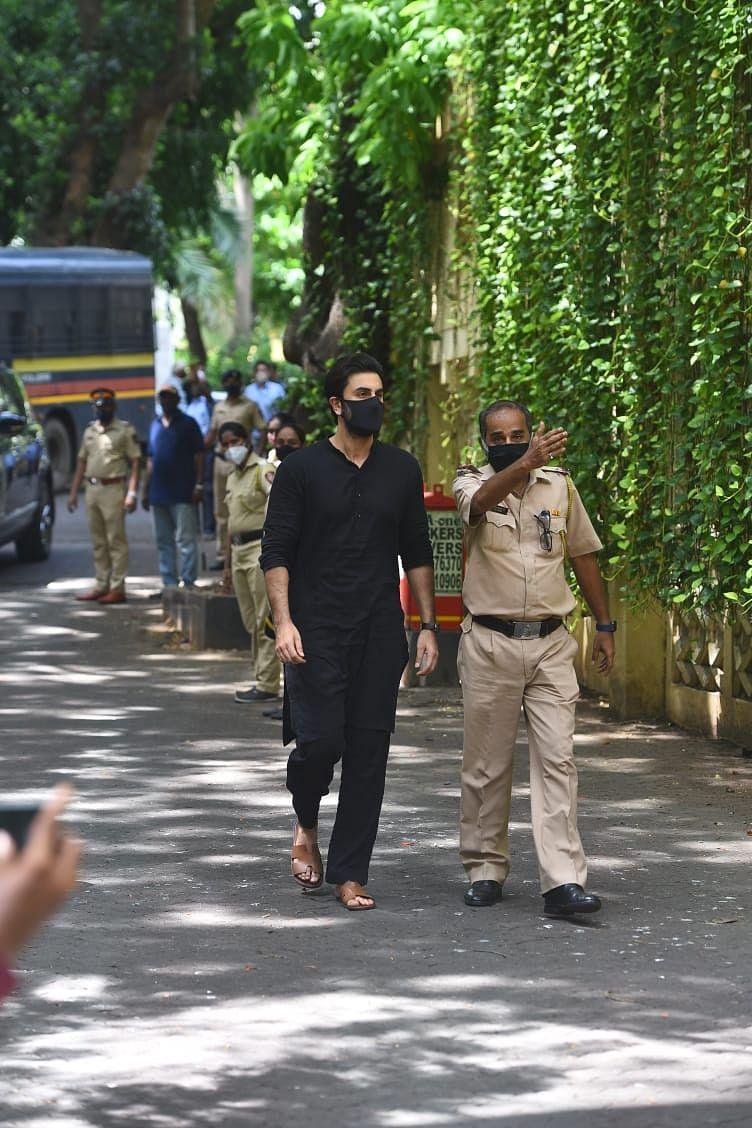 Ranbir Kapoor arrives at Dilip Kumar's residence