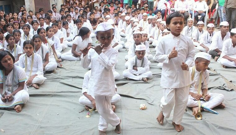 Maharashtra: Nashik ashram looks after orphaned kids of farmers who committed suicide due to debt amid COVID-19 pandemic