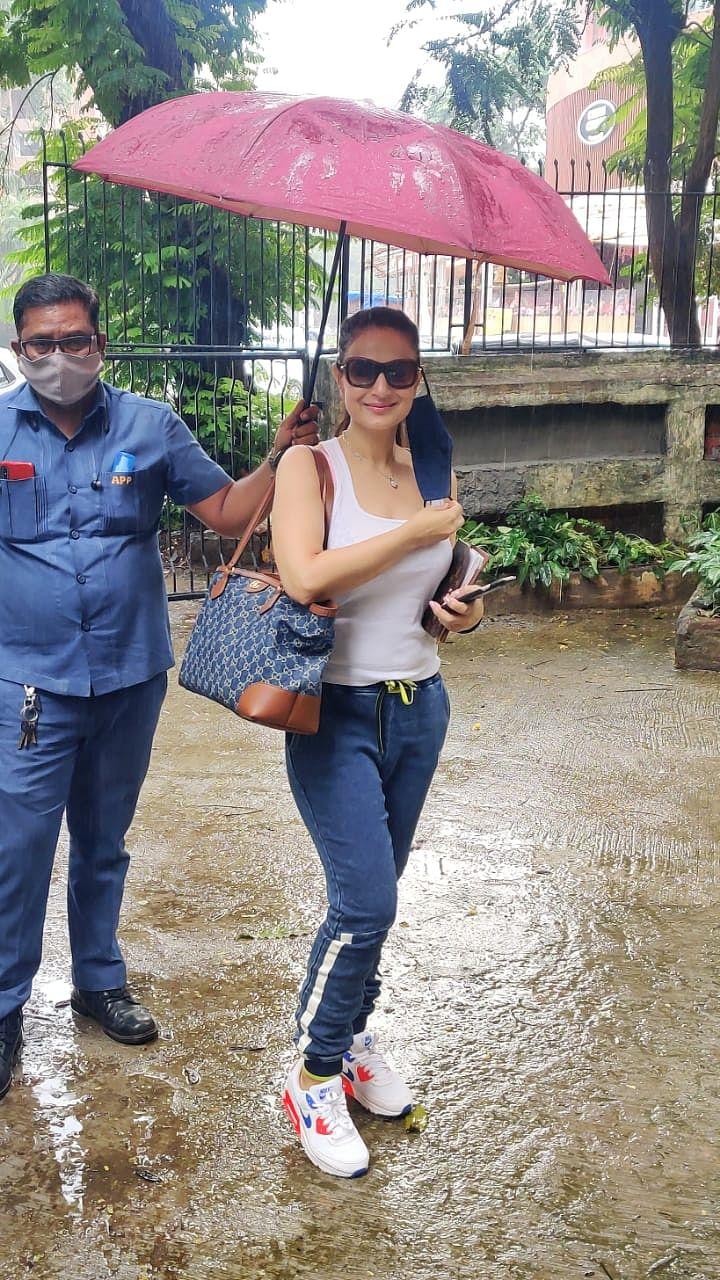 Paparazzi Files: Disha Patani, Yami Gautam, Malaika Arora and other Bollywood celebs step out in Mumbai
