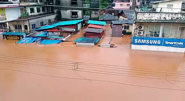 Maharashtra, July 22 (ANI): A market submerged due to the rise in water level of all rivers, in Ratnagiri on Thursday.