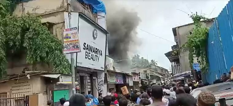 Mumbai: Fire breaks out at bakery in Kurla