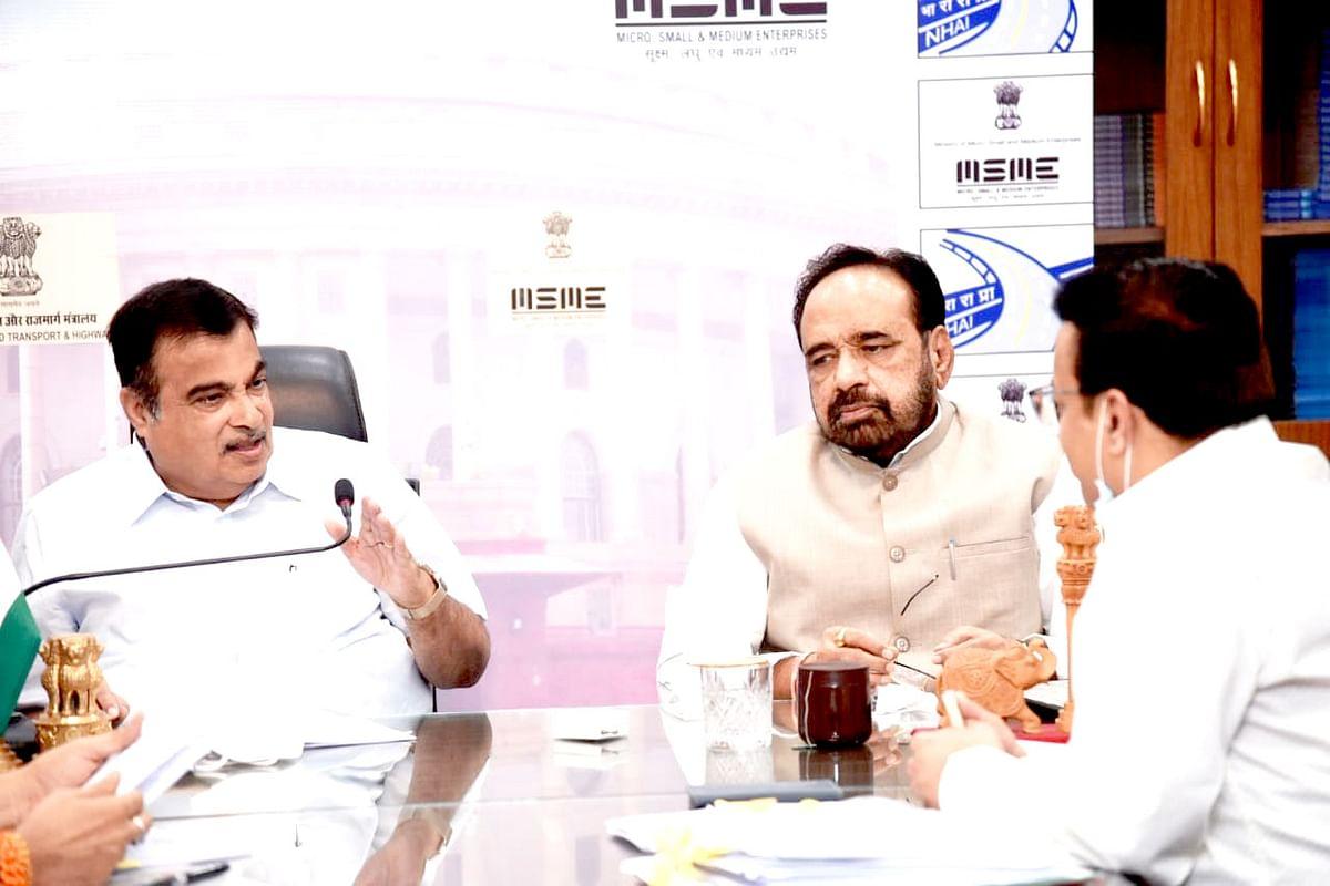 Bhopal: Gopal Bhargava calls on Gadkari, urges to increase Nasrullaganj to Sandalpur road by 38 km