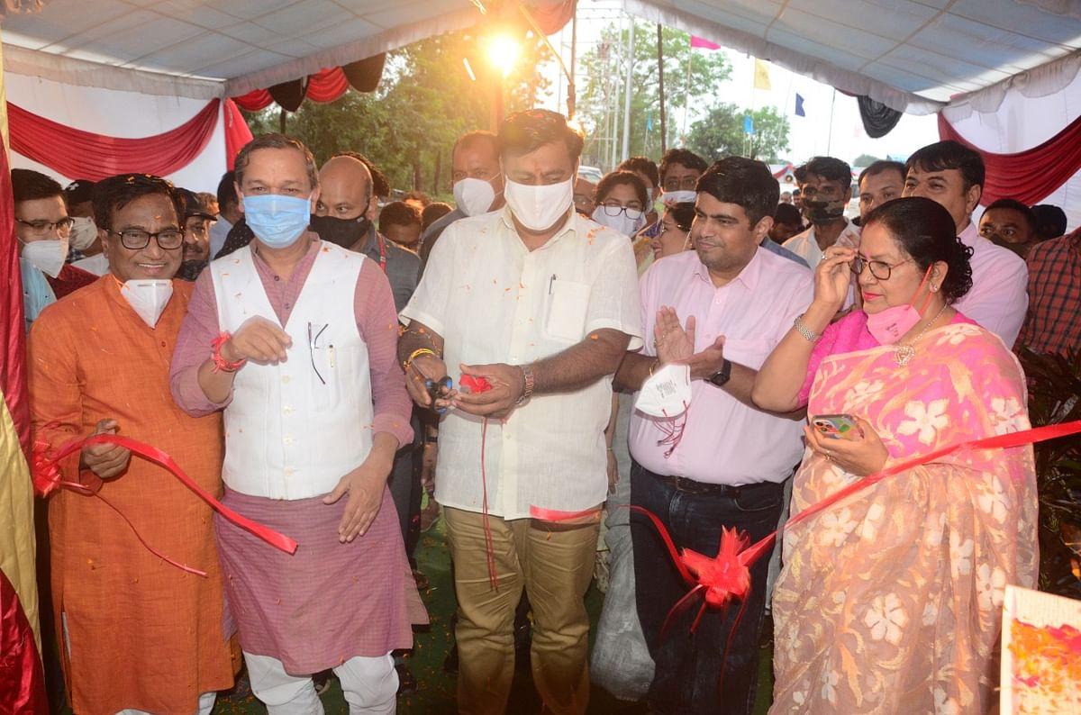 Bhopal: Minister Om Prakash Saklecha inaugurates oxygen plant in LNCT premises