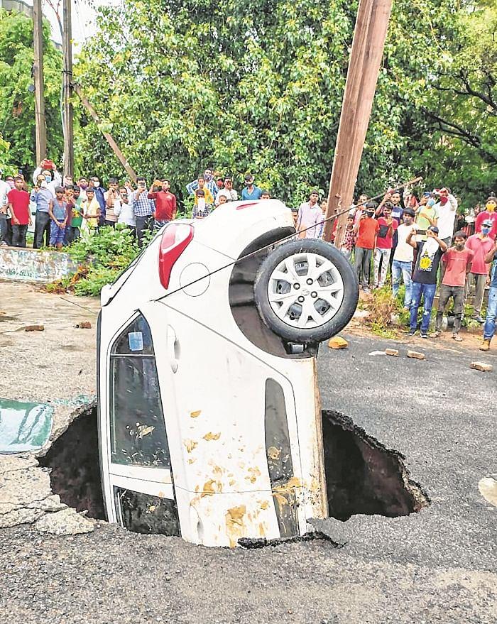 Waterlogging, traffic jams across Delhi after rains; man drowns in flooded underpass