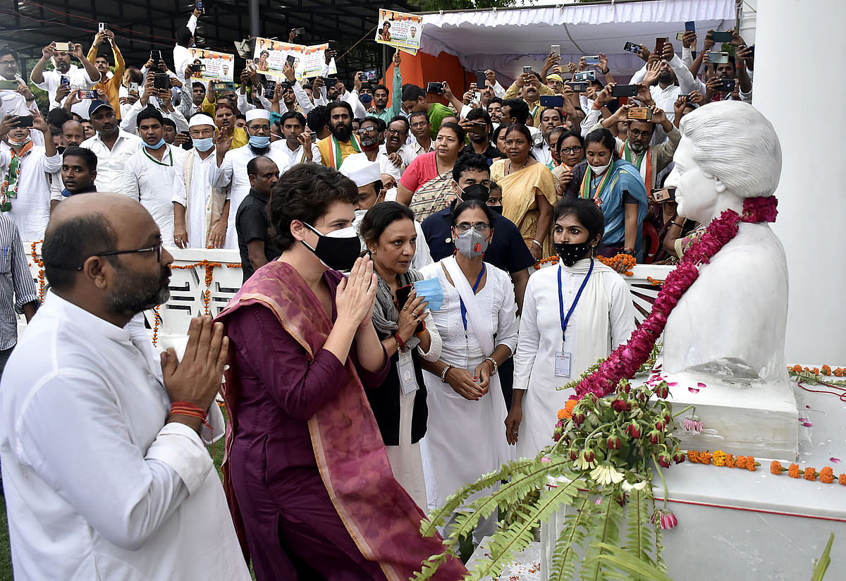 Uttar Pradesh, July 16 (ANI): Congress General Secretary Priyanka Gandhi pays tribute to the statue of former Prime Minister Indira Gandhi at party headquarters, in Lucknow on Friday.