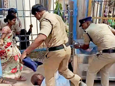 Khargone: Cop kicks labourer in Madhya Pradesh district, video goes viral
