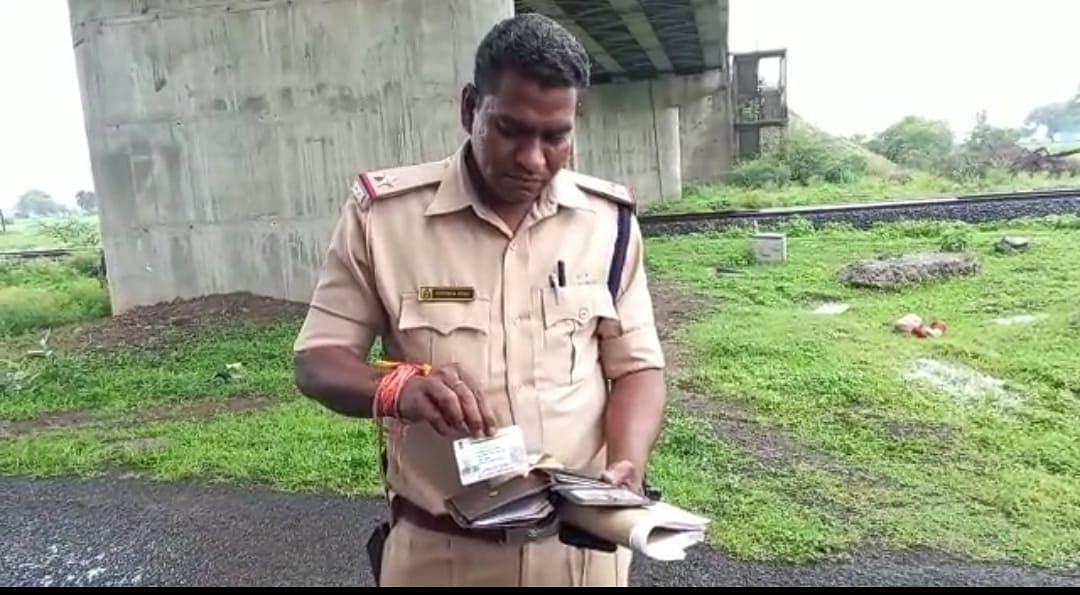 Ujjain: Unemployed engineer kills self, no suicide note found