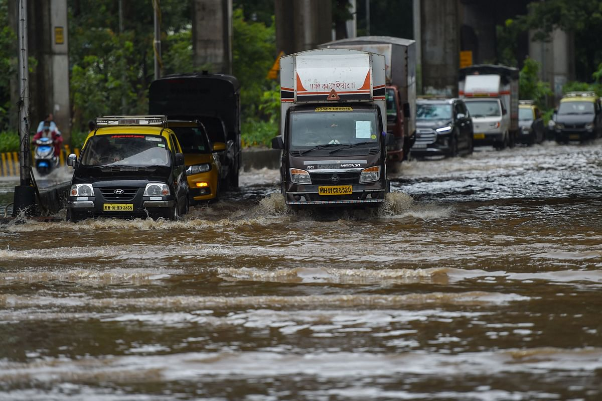 Mumbai: Moderate rain in city and suburbs with possibility of heavy to very heavy rainfall at isolated places