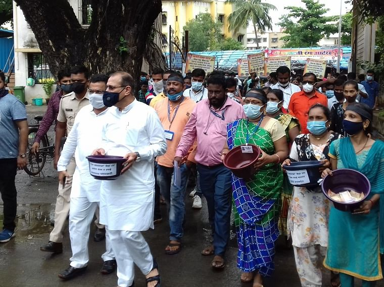 Mira Bhayander: Unpaid for 4 months, Covid warriors of govt hospital march out with begging bowls