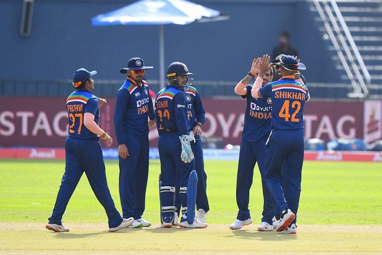 IND vs SL 1st ODI: India restricts Sri Lanka to 262/9