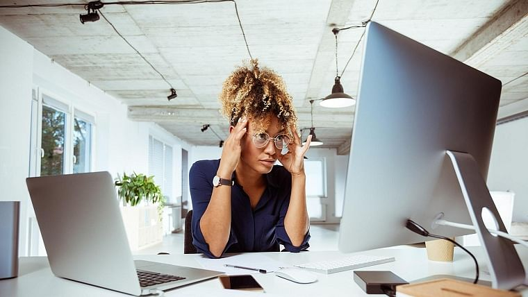 Increased screentime amid lockdown can make you feel sick; here are ways to manage cybersickness