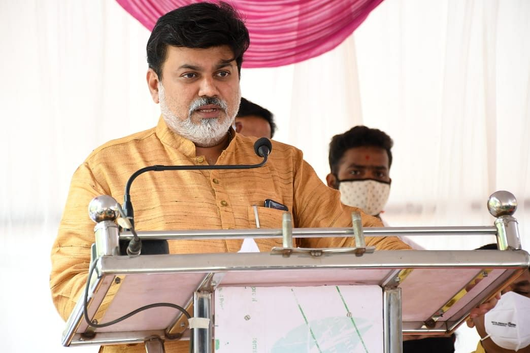 Maharashtra: Colleges won't reopen for at least a month, says Higher and Technical Education Minister Uday Samant