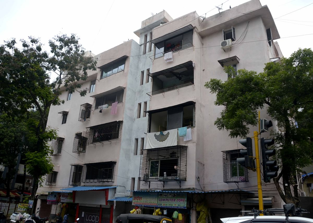 Buildings on the Brink: Occupants repair Dahisar bldg after BMC declares it as dangerous structure, civic body to take final call on its stability