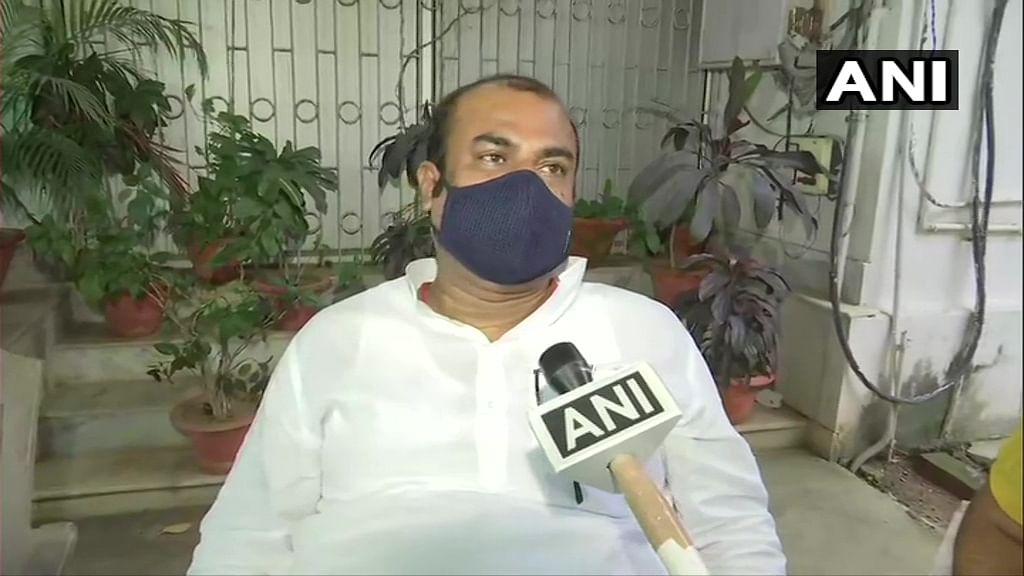 Bihar Minister Madan Sahni resigns alleging corruption by bureaucrats