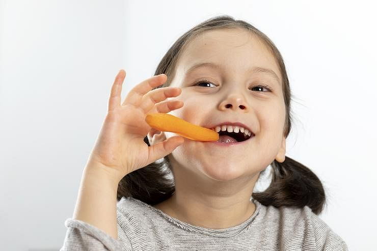 10 foods that are good for kids' eyesight