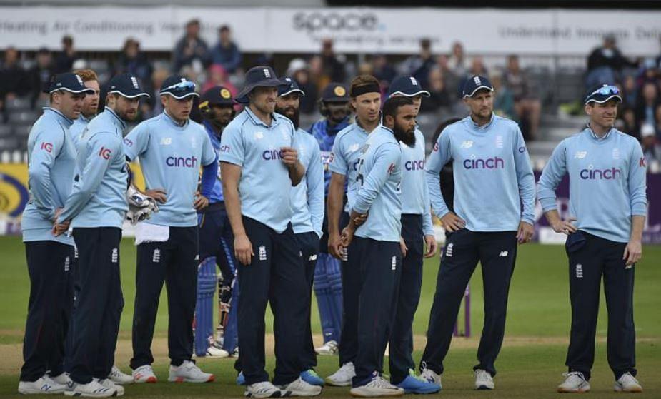 Covid-19: England select new cricket squad