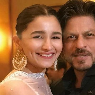 Shah Rukh Khan asks Alia Bhatt to sign him for her next production, promises 'I will come in time'