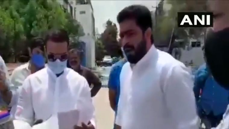 Former Hyderabad mayor Majid Hussain booked for arguing with police officer. Watch Video