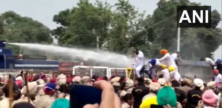 Punjab power crisis: AAP workers protest outside CM Amarinder Singh's farmhouse, police use water cannons to disperse crowd