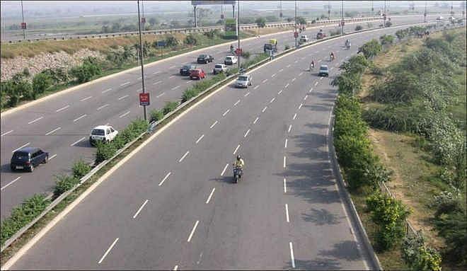 Mumbai-Goa Highway: HC asks for service roads, barricades