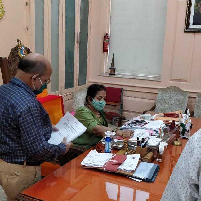 Mumbai: Mayor Kishori Pednekar back in action after recovery, resumes office