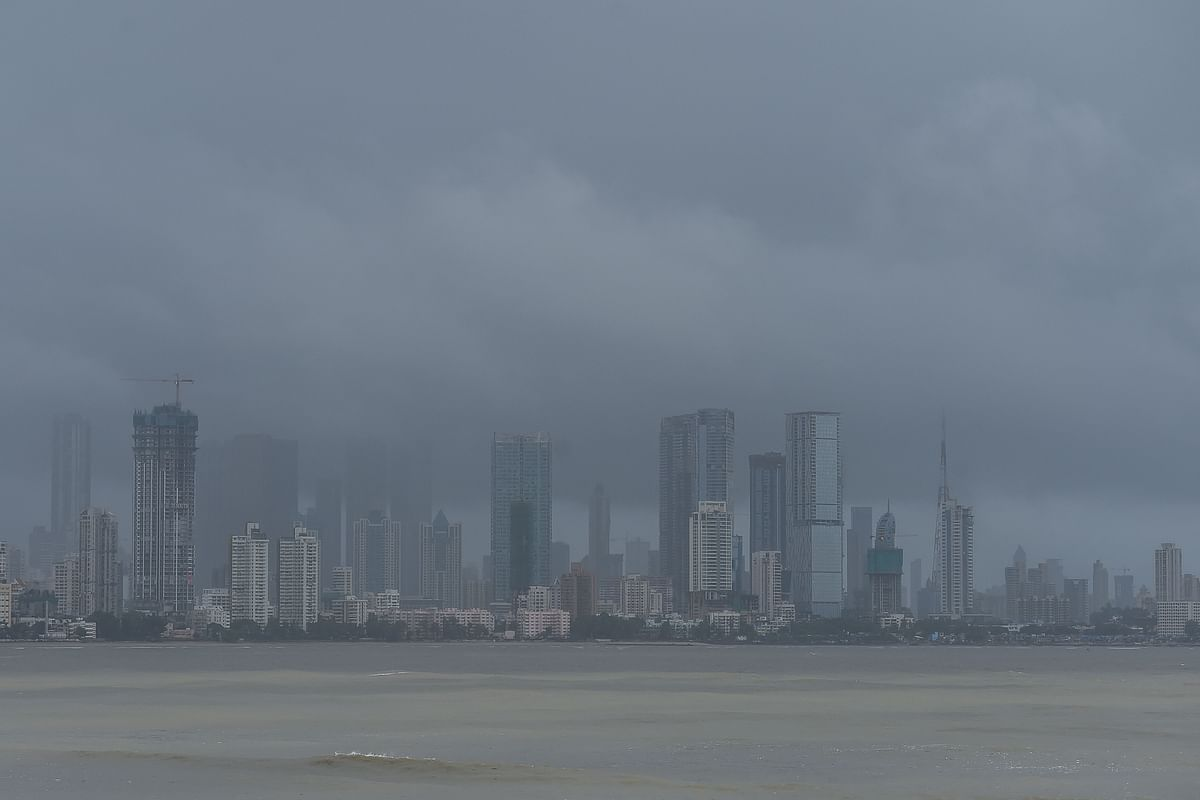 Mumbai weather update: Moderate to heavy rainfall likely in city today; IMD issues red alert