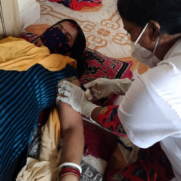 Mumbai: 37 bedridden patients jabbed at their door step on first day