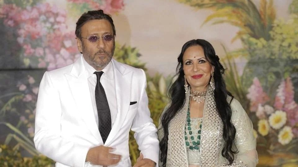 When Tiger Shroff's mom Ayesha 'thrashed' someone for Jackie Shroff