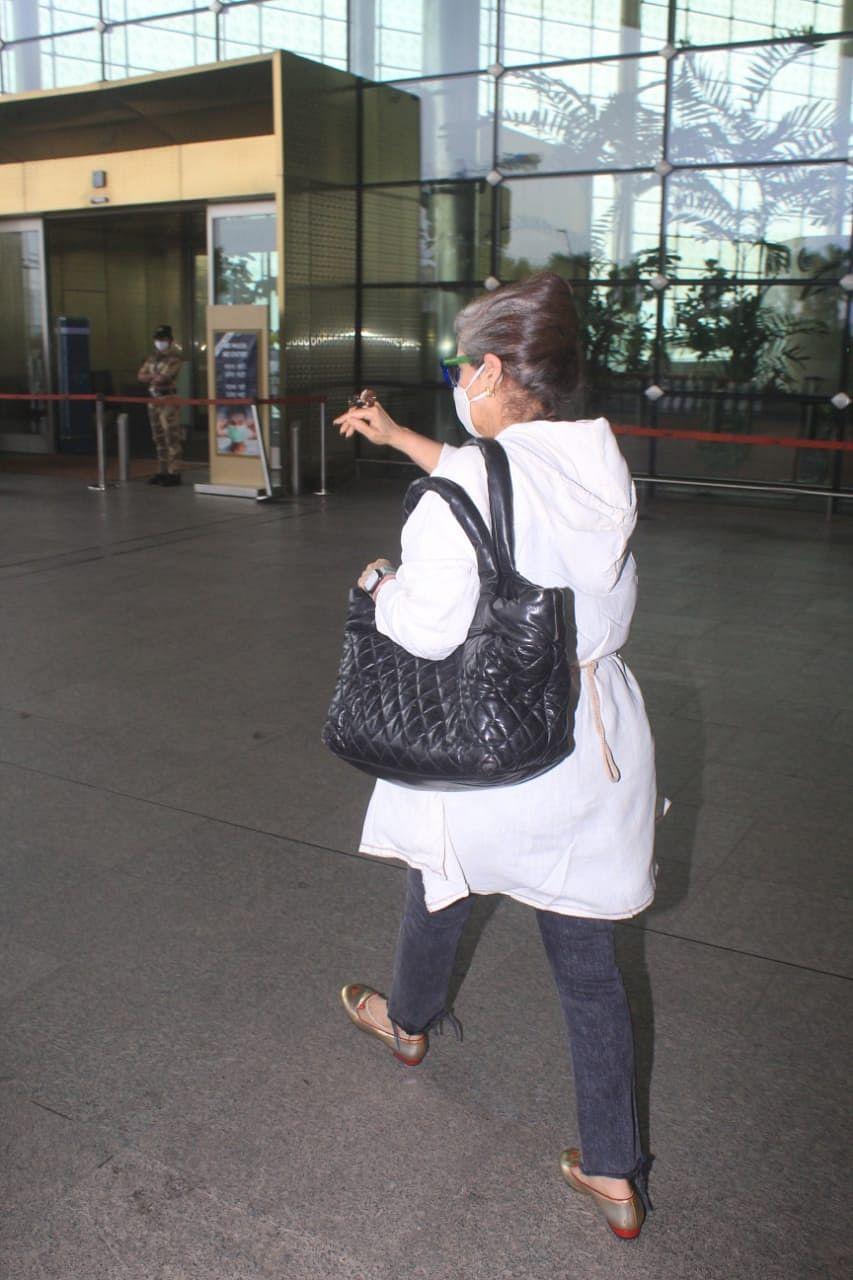 In Pics: Ranbir Kapoor, Shraddha Kapoor and Dimple Kapadia jet off to Delhi for Luv Ranjan's next
