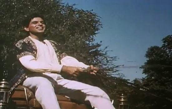 Indore: Riding chariot over Navlakha bridge, Bollywood legend filmed 'Naya Daur' in the forests of Budhni, Mandu